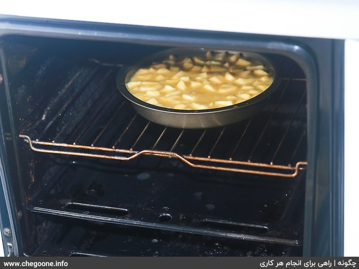 چگونه کیک وانیلی، شکلاتی یا سیب بپزیم