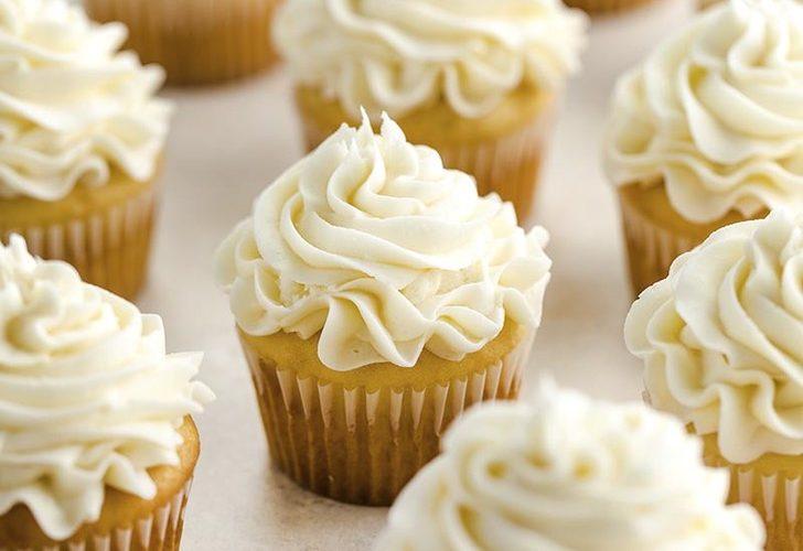 چگونه کاپ کیک وانیلی درست کنیم