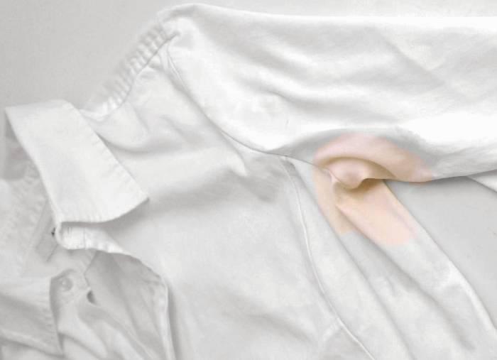 چگونه انواع لکه روی لباسها را از بین ببریم